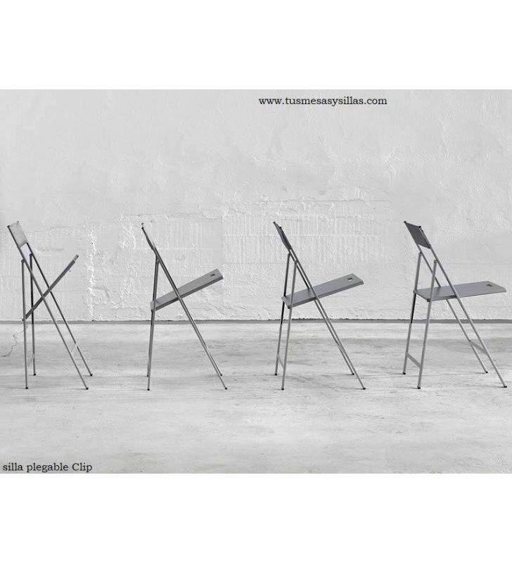 silla-plegable-cocina-blanca
