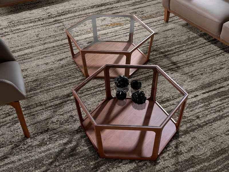 Table basse en noyer avec plateau en verre