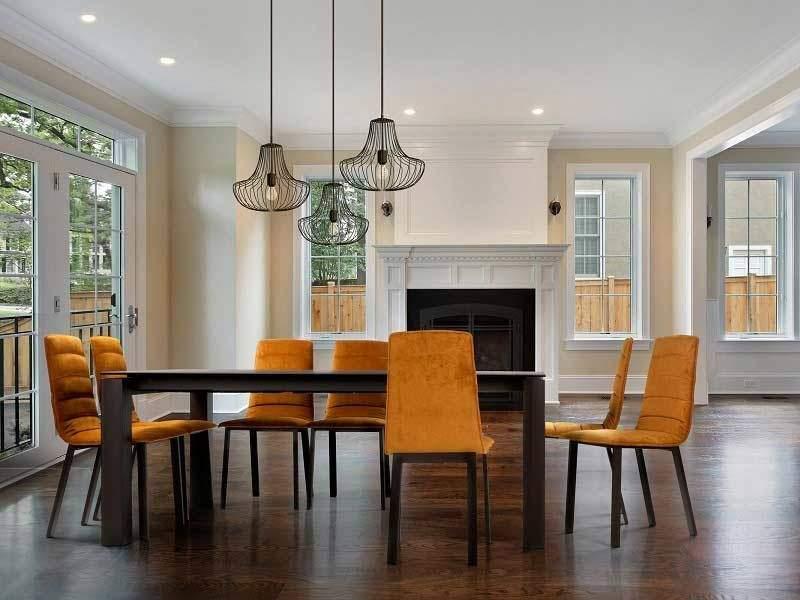 Chaise rembourrée avec dossier haut pour salle à manger TAU design discalsa moderne