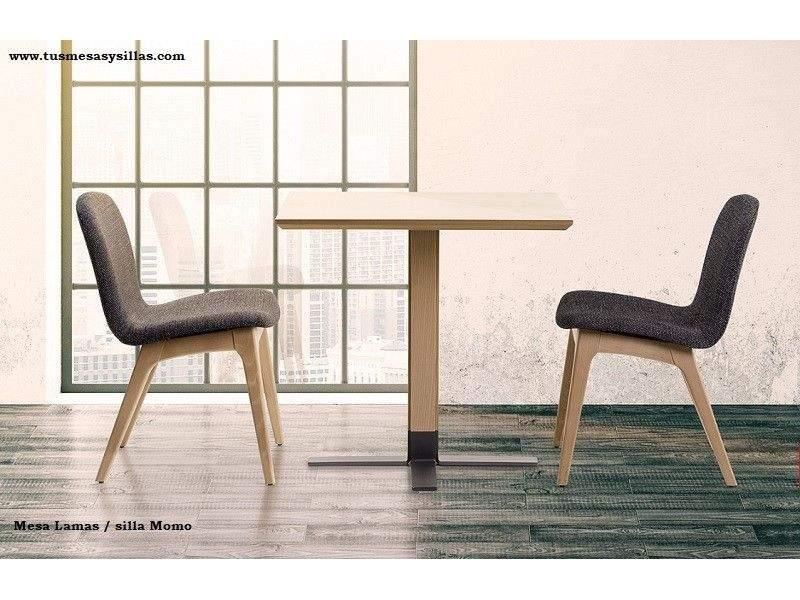 Table centrale unique en chêne et design moderne