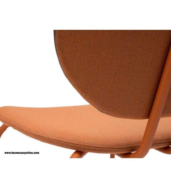 Silla-hari-tapizado-sutil-elegante