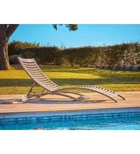 Chaise longue-piscine-jardin-de bonne qualité