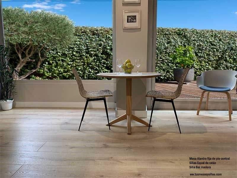 Mesa-redonda-pie-central-madera