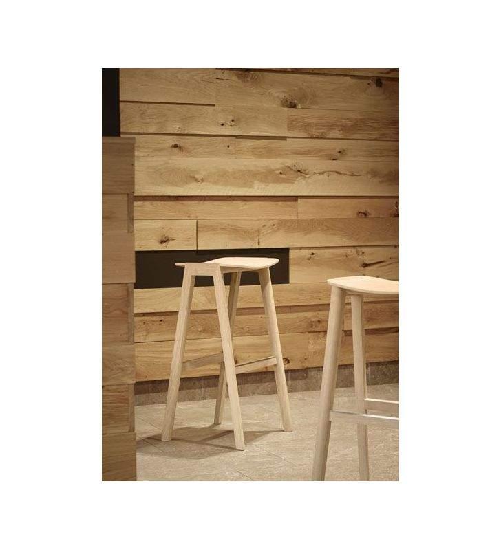taburetes-madera-entran-debajo-encimera