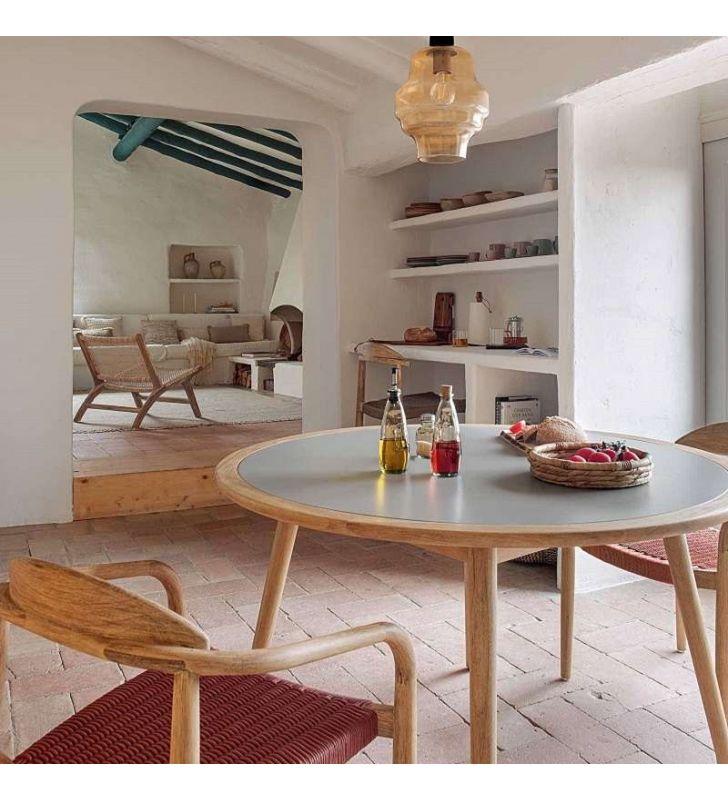 Mesa-redonda-terraza-interior