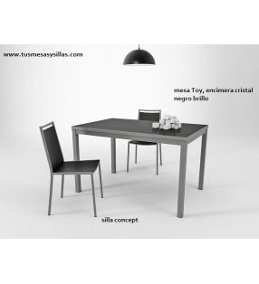Mesa extensible Toy Metal de Cancio Vetas, estilo nórdico