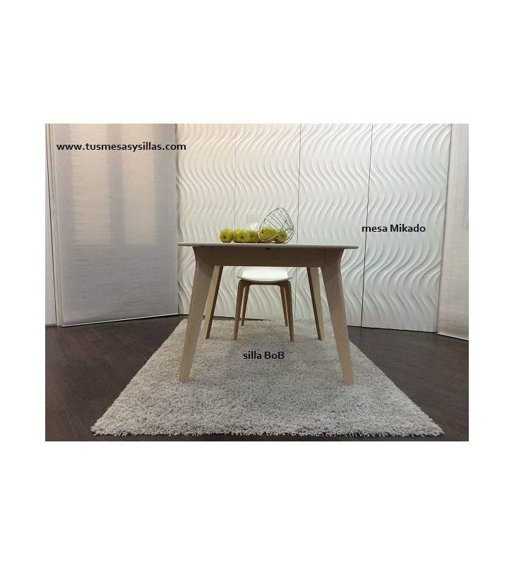 Mesa redonda extensible de cocina o comedor de diseño nórdico Mikado