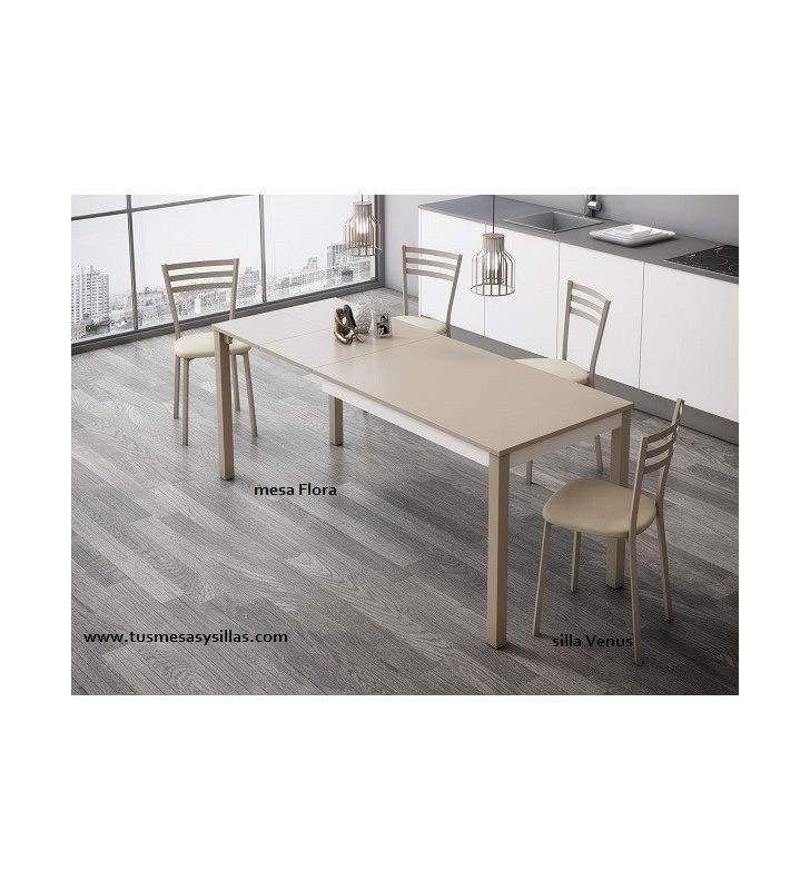 Mesa con dos extensiones del color de la encimera