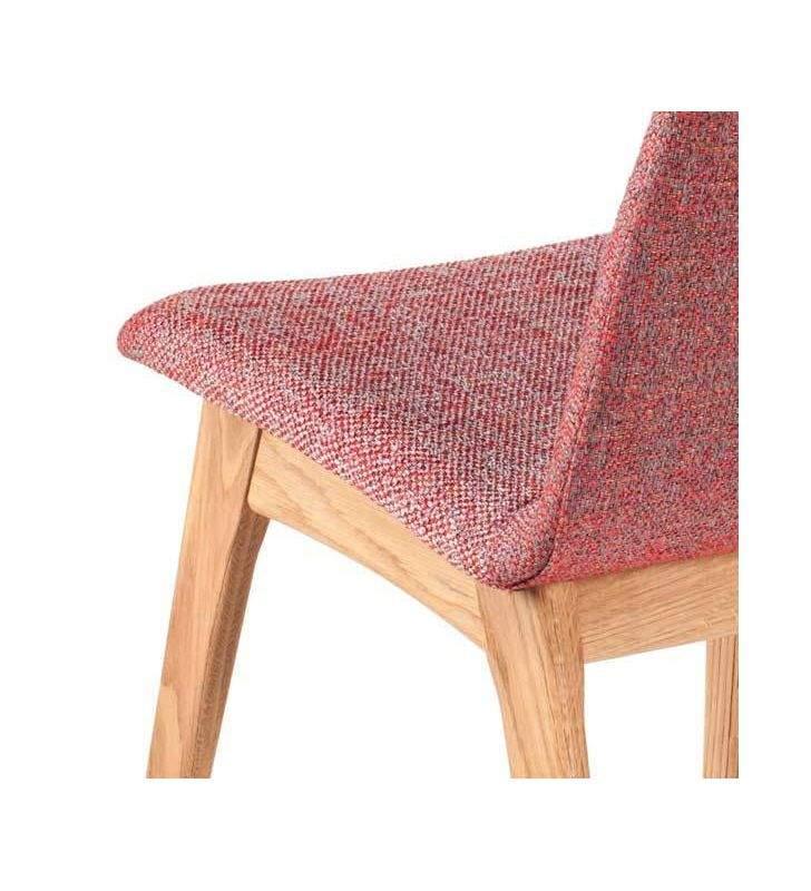 Silla Momo tapizada y patas madera roble o haya