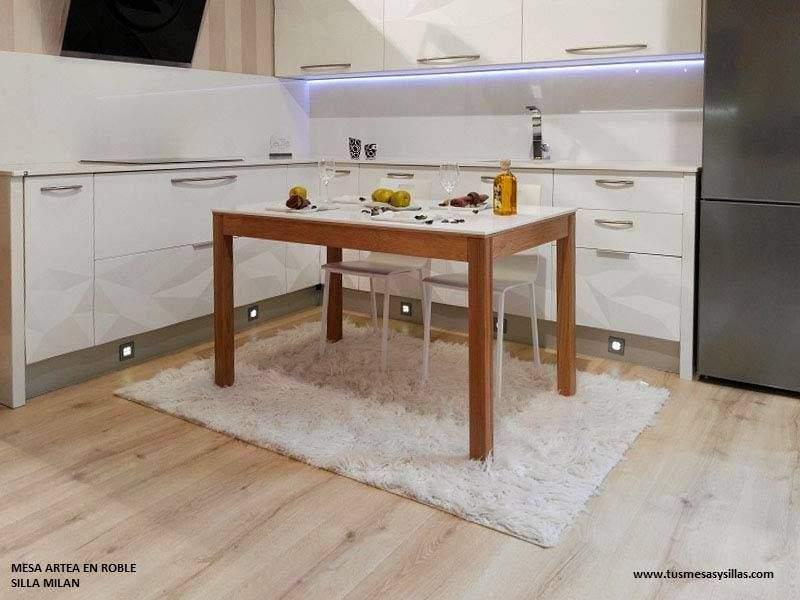Mesa de cocina Artea con encimera de Silestone y madera