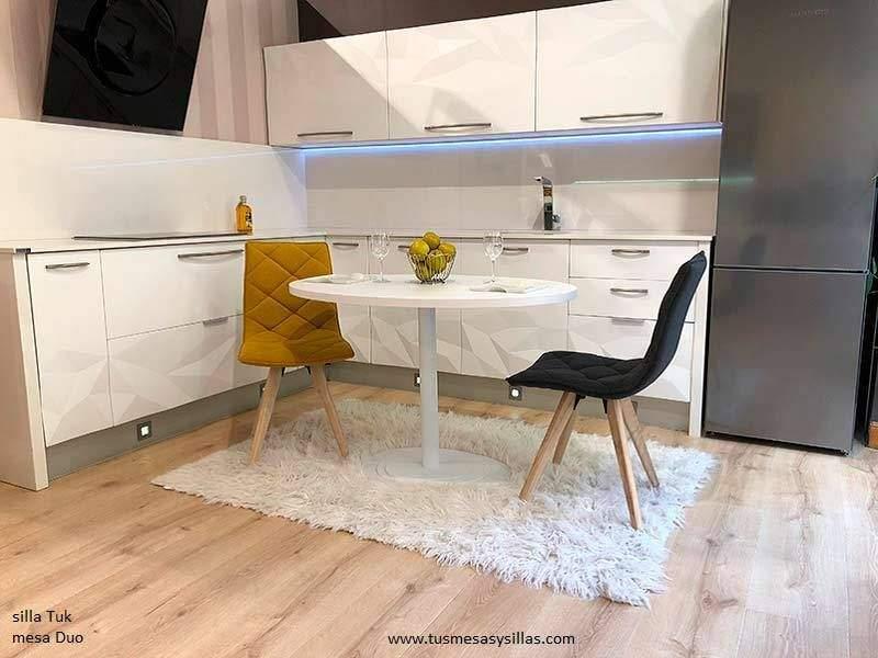 Mesa oval central com design moderno - Table ovale design pied central ...