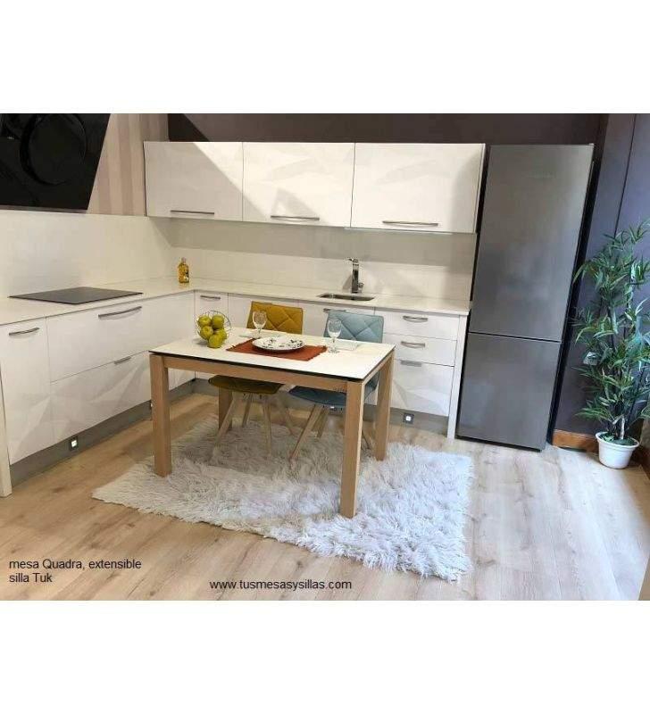 Mesa cocina extensible Quadra de Cancio Vetas, estilo nórdico