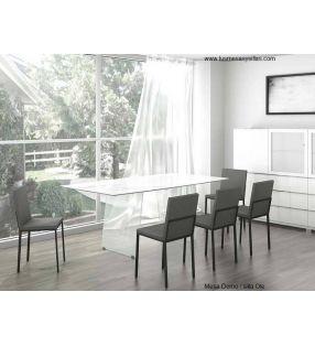 Mesa moderna para comedor Domo con patas cristal transparent