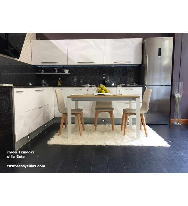 mesa moderna de cocina o comedor de estilo nordico