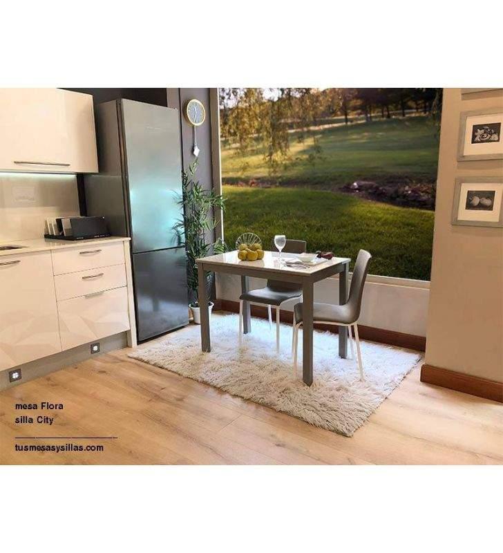 Mesa de cocina extensible tono madera
