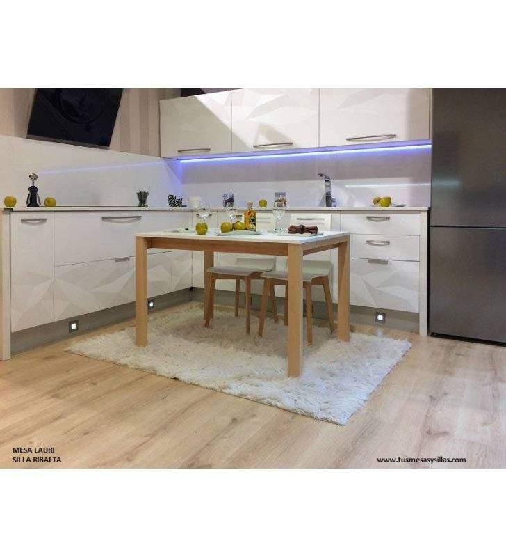 Mesa extensible Lauri patas de madera a medida