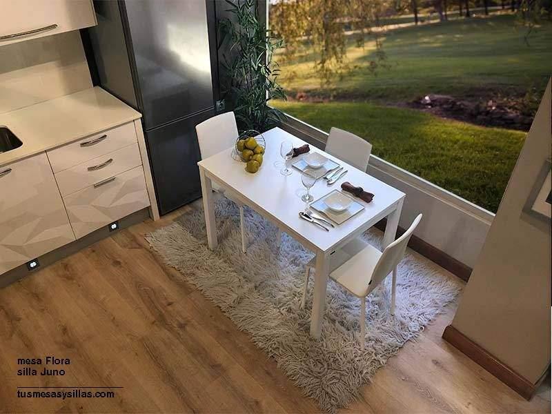 Mesa de cocina con dos extensiones