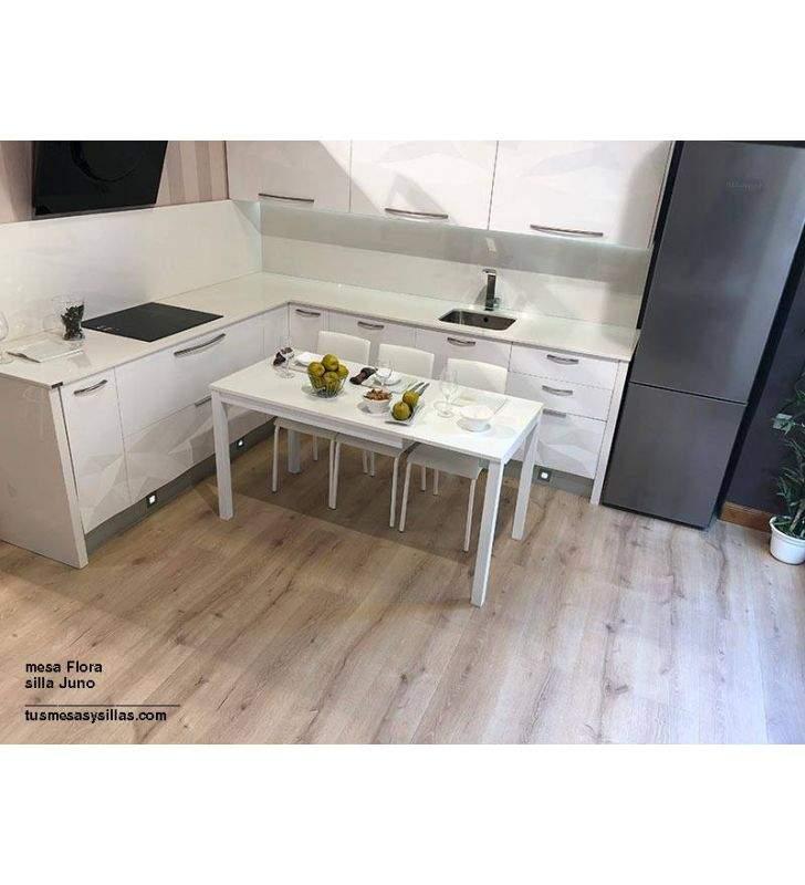 Mesa de cocina extendida