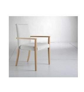 silla-tapizada-apoyabrazos-madera
