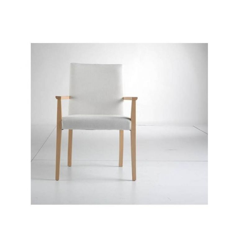 sillas-tapizadas-apoyabrazos-madera