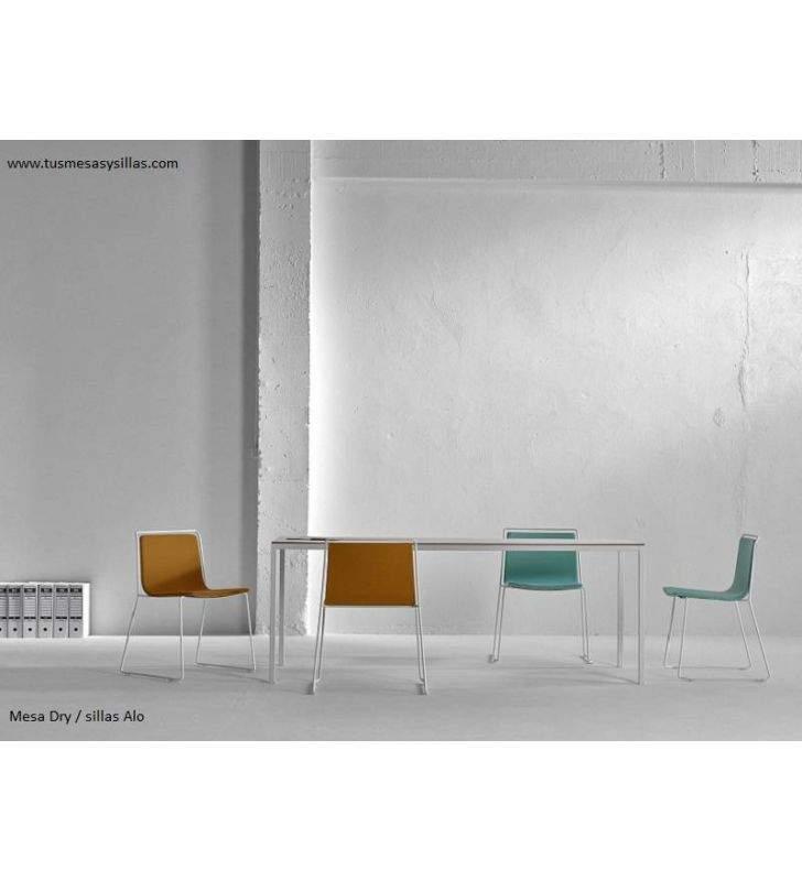Mesa-estrecha-moderna-alargada