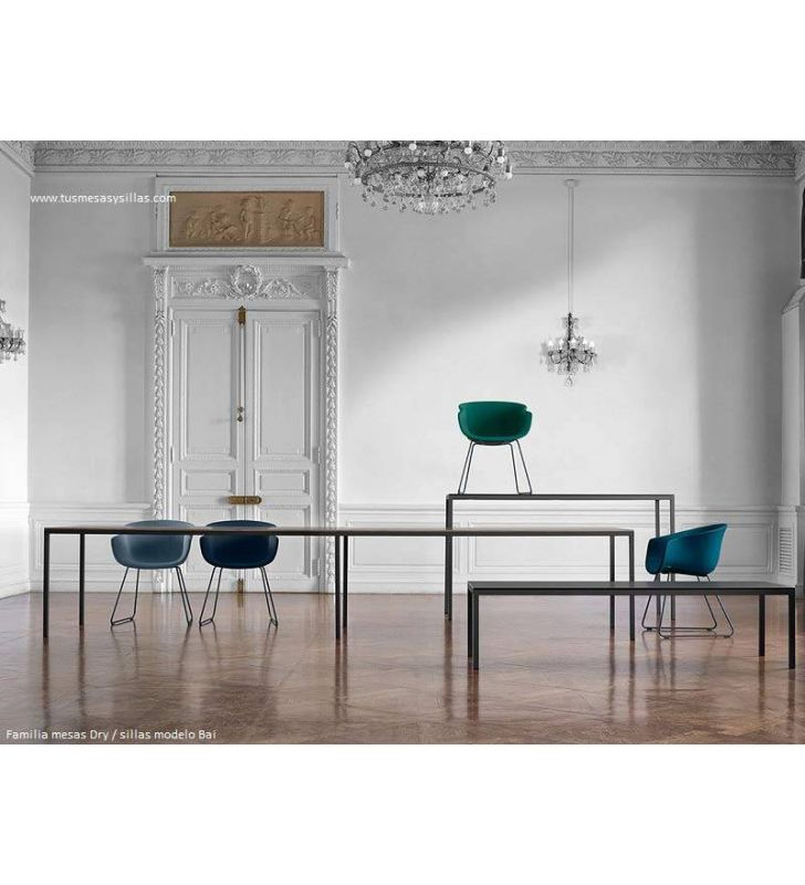 Mesas-altas-estrechas-porcelanico