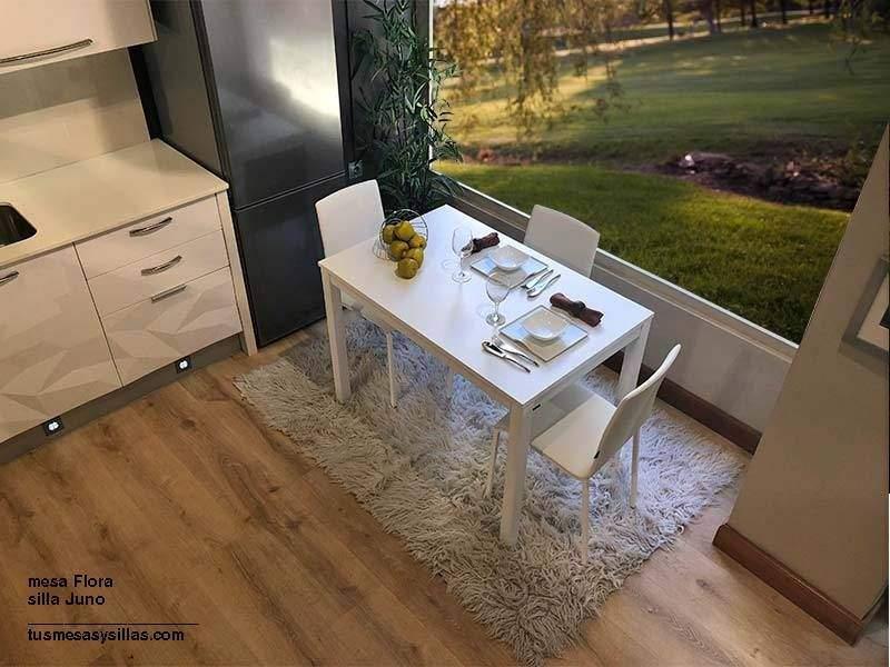 Mesa Flora extensible blanca 110x70 cm.