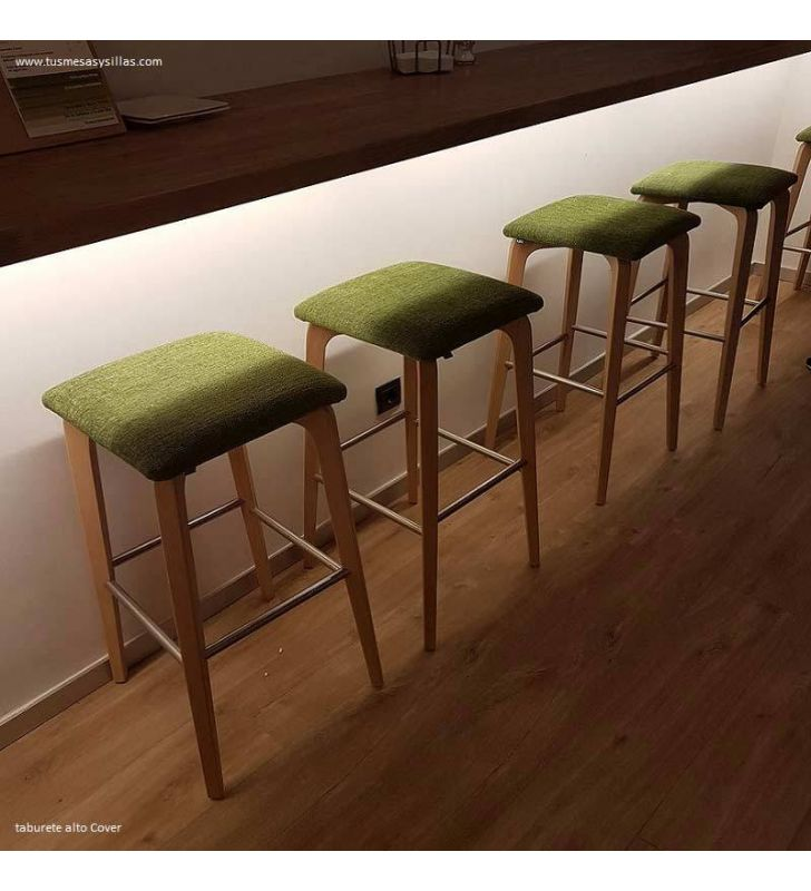 Taburete alto tapizado y madera