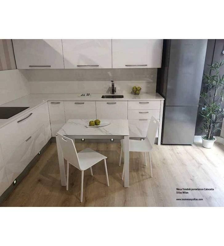 Mesa-pequeña-cocina-calacatta