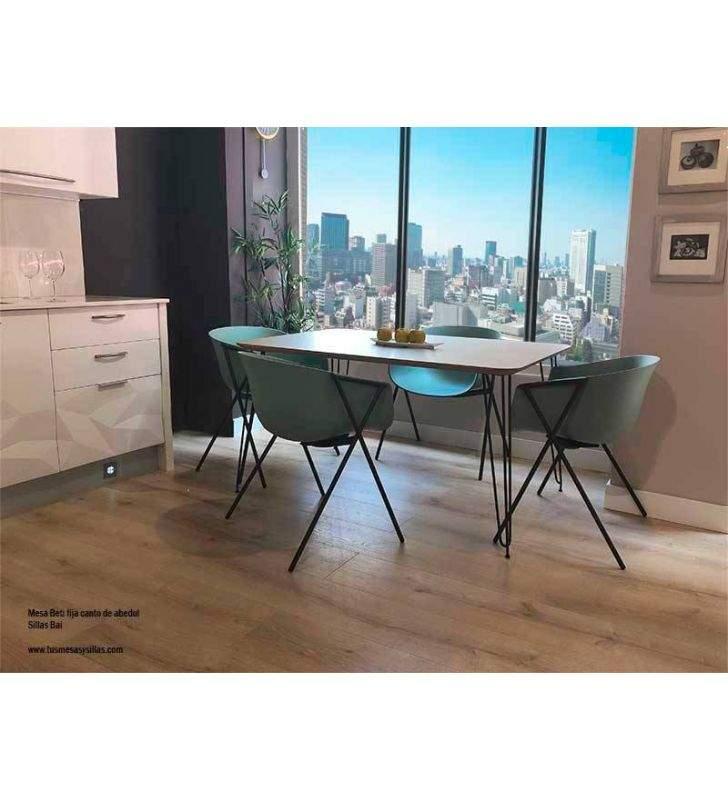 Table fixe Beti avec pieds en métal de style nordique