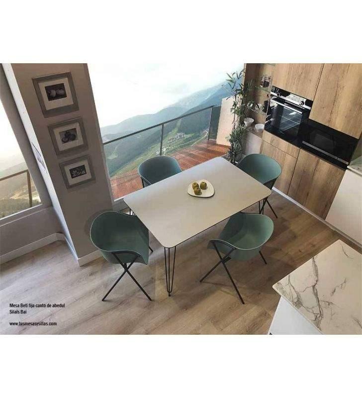 Mesa-sillas-metal-diseño