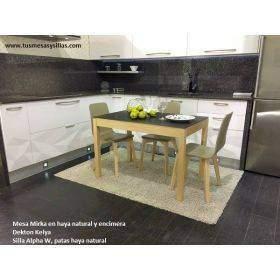 Mesa extensible de diseño moderno con patas de madera de roble o haya
