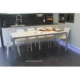 Mesa cocina con pata extraible deslizante a medida