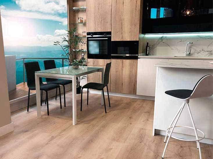Tables de cuisine avec comptoir en verre