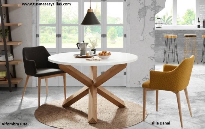mesa-redonda-patas-cruzadas