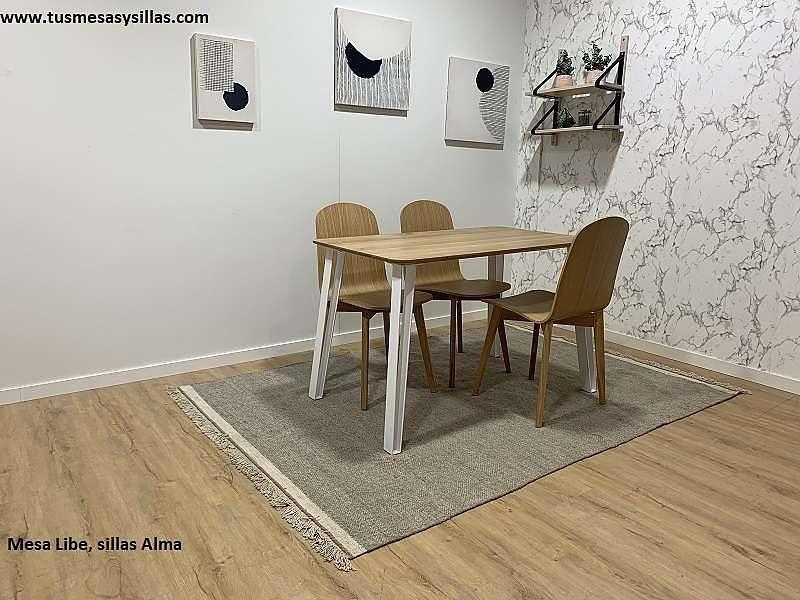 conjunto-mesas-sillas-roble