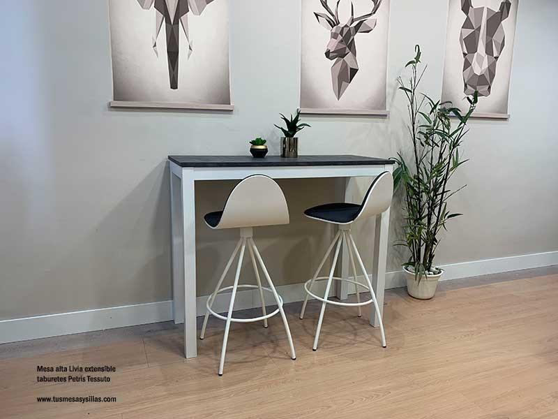 Mesas-estrechas-extensibles-pegadas-pared